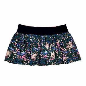 EUC Lululemon Pleat to Street Skirt